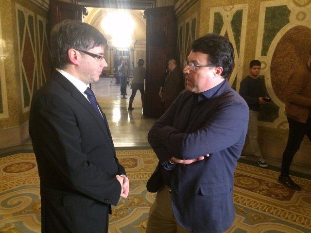 El presidente Carles Puigdemont y Joan Josep Nuet (SïQueEsPot)