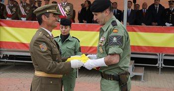 La Brigada Paracaidista recupera la bandera de su primera operación de...