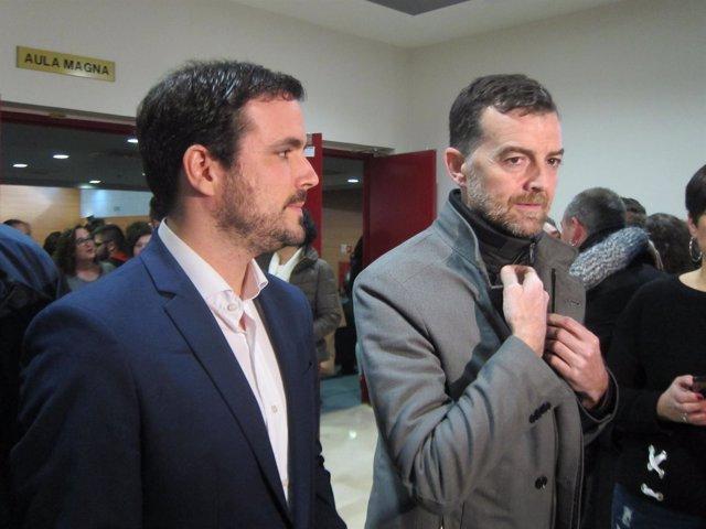 Antonio Maíllo (d), junto a Alberto Garzón.