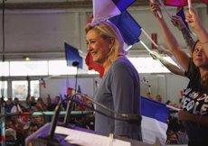 Le Pen es nega a comparèixer davant la Policia Judicial fins que passin les eleccions (FRONT NATIONAL)