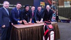 Bartomeu veu en la FCBEscola de Hainan (Xina)