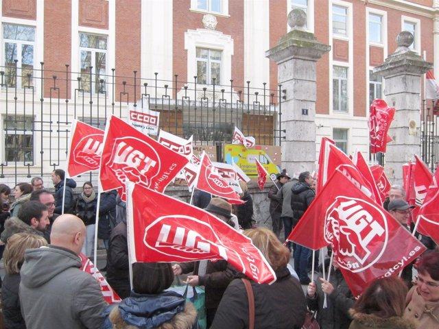 VALLADOLID. Protesta del transporte sanitario ante Sanidad