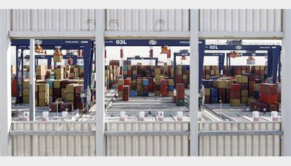 El Gobierno aprueba la reforma de la estiba portuaria