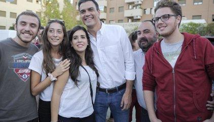Miembros de Juventudes Socialistas cargan contra Sánchez en las redes con la etiqueta #NoPedroNo