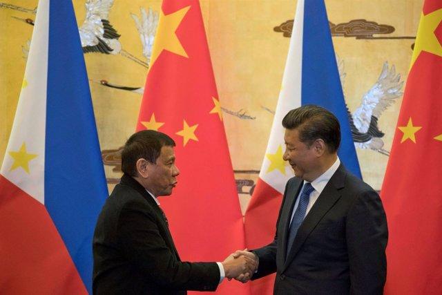 Rodrigo Duterte y Xi Jinping