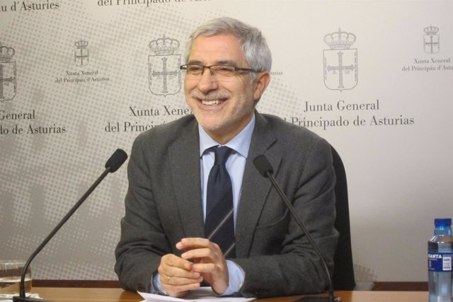 El diputado regional de IU, Gaspar Llamazares