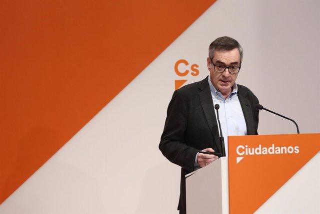 El secretario general de Ciudadanos, José Manuel Villegas, en rueda de prensa