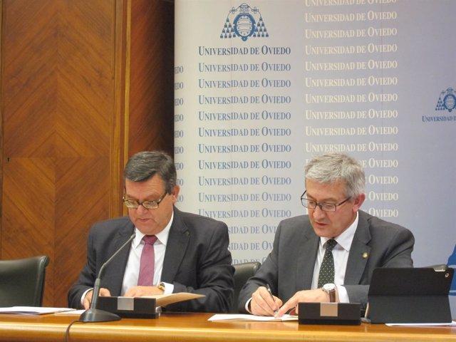 Firma del convenio entre la Fundación ONCE y la Universidad de Oviedo