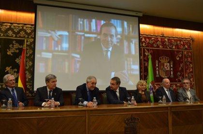 Zapatero, Carmena y Herrera, juntos en un acto homenaje a José Antonio Alonso en León
