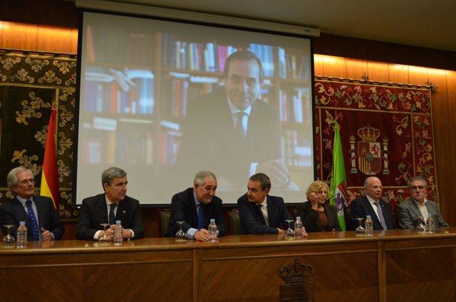 Herrera, Zapatero y Carmena, en un homenaje a José Antonio Alonso en León