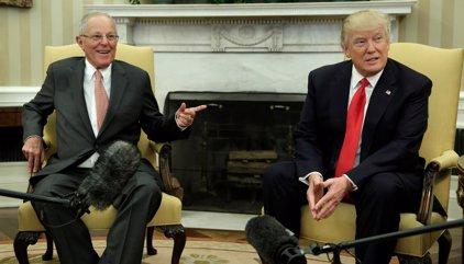 """Kuczynski y Trump tratan sólo durante """"unos segundos"""" la posible extradición de Toledo"""