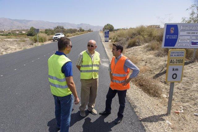 Diputación invierte en mejoras de señalización y pintura de carreteras.