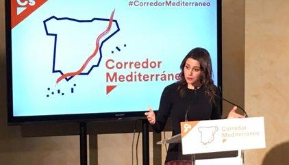 Arrimadas cree que la antigua CDC se hizo independentista para huir de la justicia española