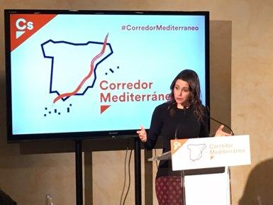 Arrimadas creu que l'antiga CDC es va fer independentista per fugir de la justícia espanyola (EUROPA PRESS)