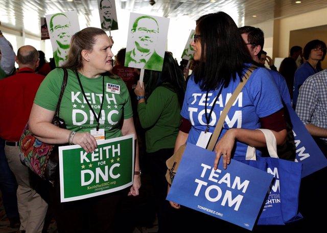 Simpatizantes de Keith Ellison y Tom Perez
