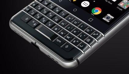 BlackBerry mantiene la apuesta por su clásico teclado físico con el nuevo KEYone