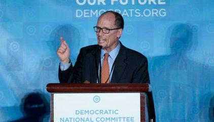 Tom Pérez, elegido presidente del Partido Demócrata de EEUU