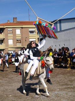 Celebración de las cintas en Pedrajas de San Esteban (Valladolid)
