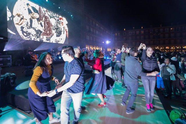 Baile de máscaras en Plaza Mayor