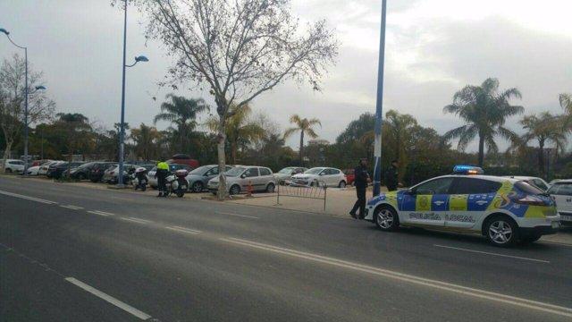 Campaña contra estacionamiento indebido en la Cartuja