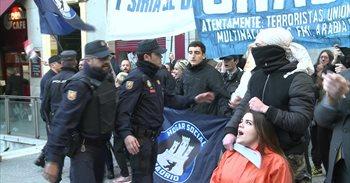 Miembros de Hogar Social Madrid irrumpen la concentración a favor de los...