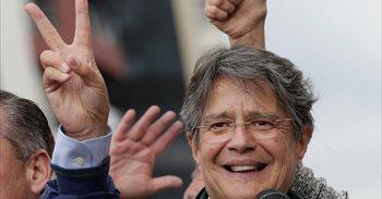 AMP.-Ecuador.- Las encuestas pronostican resultados contradictorio para...