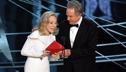 PricewaterhouseCoopers pide disculpas tras el fallo garrafal en los Oscar