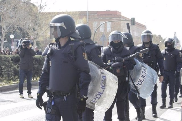Policías antidisturbios. Foto de recurso