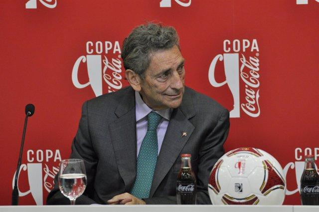 Carlos Mouriño.Presidente R.C.Celta de Vigo.3º trofeo tarjeta blanca Coca-Cola.