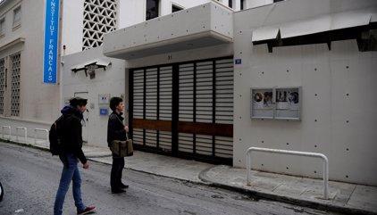 Un atac provoca danys a l'Institut Francès d'Atenes