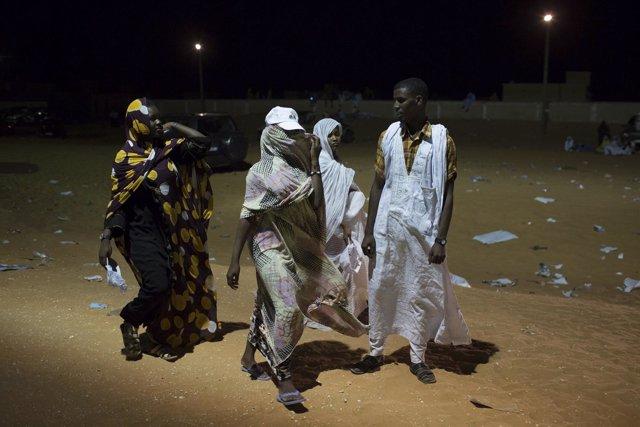 Varias mujeres mauritanas en Nuakchot, la capital del país.