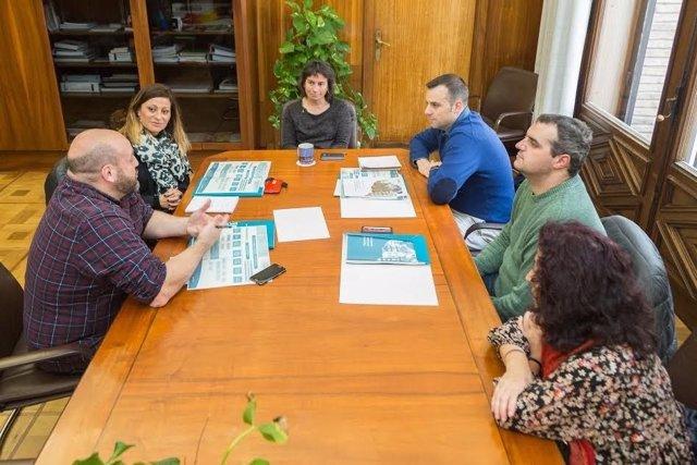 Técnicos del Ayuntamiento de Marbella con la vicealcadesa de Zaragoza