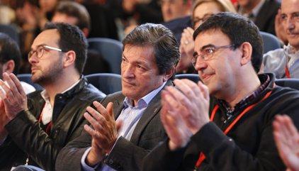 Los socialistas se enzarzan de nuevo por la derogación de la reforma laboral que enfrentó a Sánchez y el PSOE-A en 2015