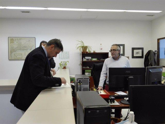 Moreno Yagüe registra las alegaciones de Podemos