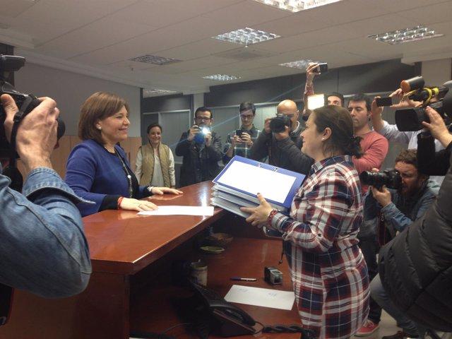 Isabel Bonig entrega sus avales para revalidar su cargo como presidenta del PPCV