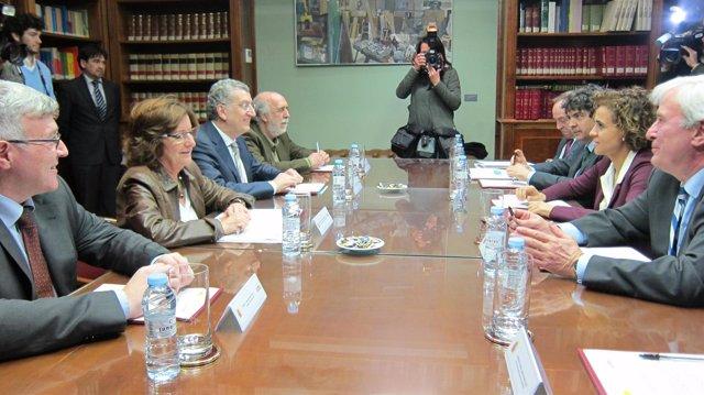 Reunión del Gobierno de Aragón con la ministra de Sanidad