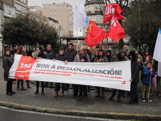 Protesta de trabajadores del 112 en contra del traslado a A Estrada