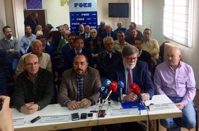 Soria: Aparicio (2D)  y Rey con representantes sindicales y políticos