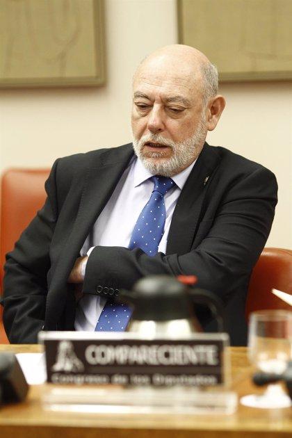El fiscal general elude hablar en el Congreso sobre el bus de Hazte Oír porque las actuaciones están en curso