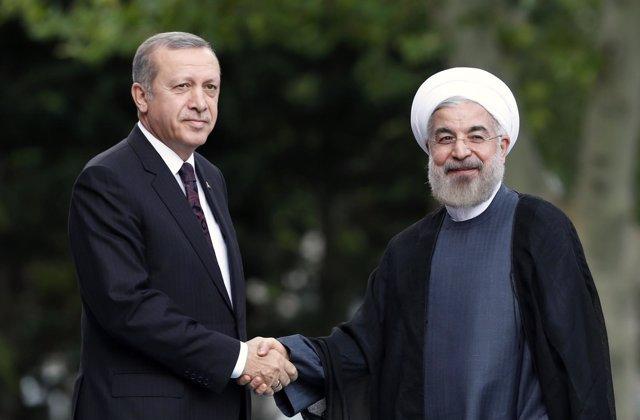 El presidente de Irán, Hasán Rohani, y su homólogo turco, Recep Tayyip Erdogan.
