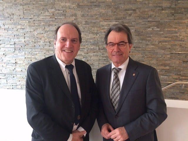 El exministro británico Simon Hughes y el expresidente Artur Mas.