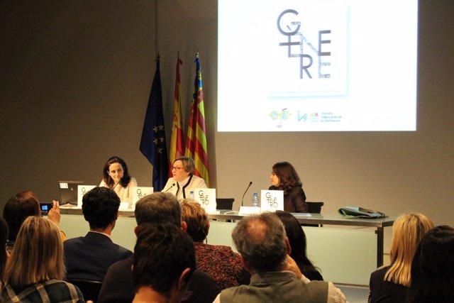 Salvador presenta el libro 'Género y política urbana'
