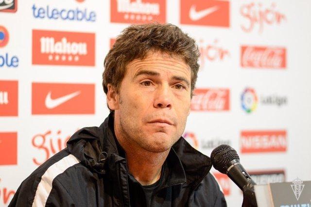 El Entrenador Del Sporting De Gijón, Joan Francesc Ferrer 'Rubi'