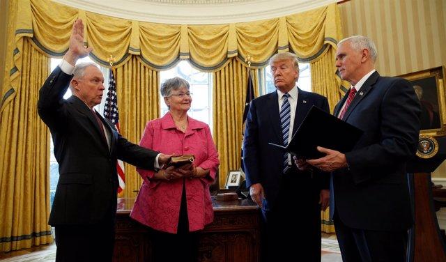 Toma de posesión de Jeff Sessions como fiscal general