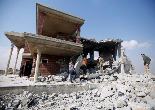 Escombros de una vivienda en el sur de Mosul, Irak.