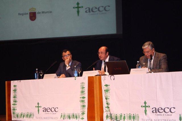 Presidente y alclade de Murcia en el encuentro de AECC