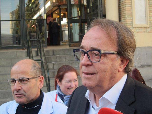 El PSOE se reúnen con la Asociación de Detallistas del Mercado Central