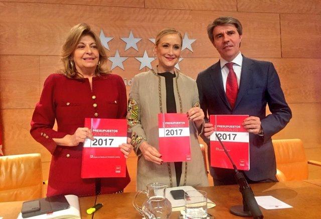 Engracia Hidalgo, Cristina Cifuentes y Ángel Garrido