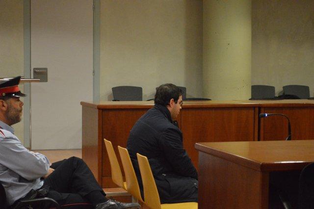 Alejandro R.V. En la Audiencia de Lleida