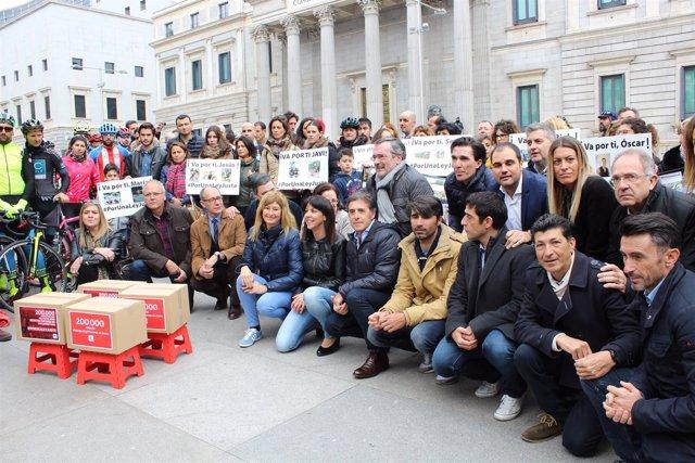 Psoe Congreso. El Grupo Socialista Apoya La Campaña #Porunaleyjusta, Para Que No